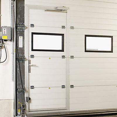 Usa pietonala cu inchidere cu cheie si amortizor pentru usa de garaj industriala